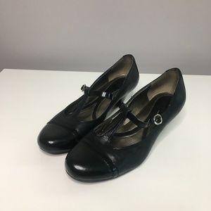 Naturalizer Black Janison Kitten Heel